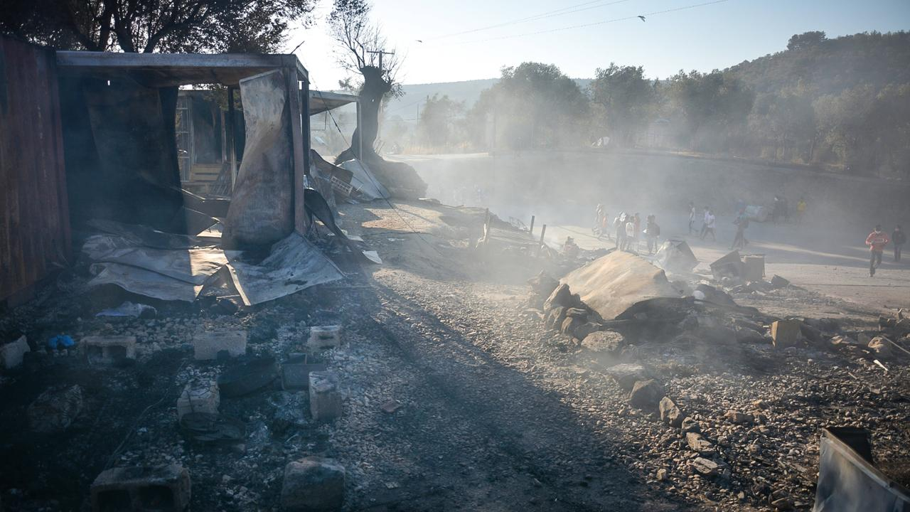 moria camp burning